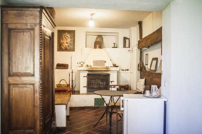 Rooms at Boggi House - Camino living room